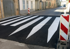 malen Fußgängerüberweg. Außen Gemälde. Mallorca