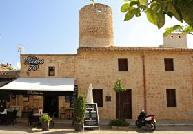 Pastry shop, coffee bar, Ses Salines. Paintings Mallorca Toni Revilo